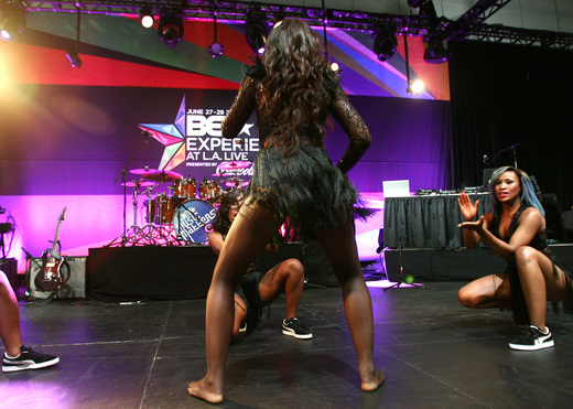 Do you remember Tiwa's performance at the BET Awards? No? That's because it was PRE-concert!