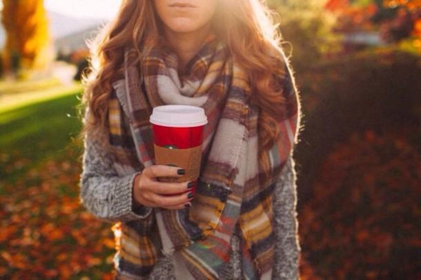 inl53e-l-610x610-scarf-style-fashion-falloutfits-plaid-tumblroutfit-tumblr-starbuckscoffee-autumnwinter-warm-cozy-fallcolors